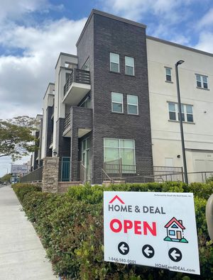 주택 매매 시 바이어에게 50%의 리베이트를 주는 부동산 업체